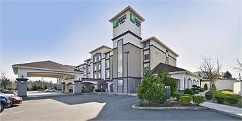 Holiday Inn Express & Suites Lakewood